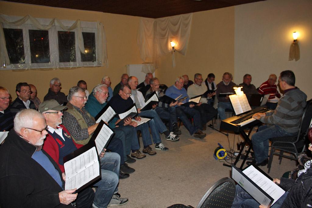 Die Sänger freuen sich schon jetzt auf die Fortsetzung der Serie zur öffentlichen Chorprobe im Jahr 2015. [Foto: Bastian Schlößer]