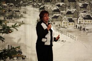 """Frau Luzie Pingen, 1. Vorsitzende von """"Haus & Grund Kerpen"""" während der Moderation."""