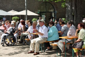 Das begeisterte Publikum freute sich über insgesamt 14 Liedbeiträge der Königshovener Sänger.
