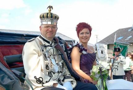 Schützenkönigspaar Harald und Heidi Prager hatten Spaß bei den Festumzügen. (Foto: Clemens / WERBEPOST)
