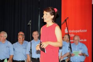 Kati Ulrich führte als Moderatorin charmant durch das Programm.