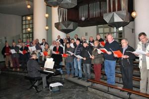 Die Sänger des Quartettvereins während des Auftritts in der St. Hedwig Kathedrale Berlin.