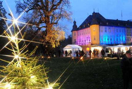 """Zum ersten Mal mit dabei, sorgt der Quartettverein für die musikalische Gestaltung der """"Schlossweihnacht"""" auf Schloss Dyck in Jüchen. [Foto: Lothar Berns, www.rp-online.de]"""