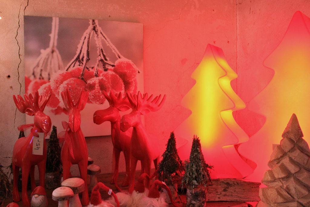 Die 150 Aussteller präsentierten geschmackvolle Weihnachtsdekorationen in großer Vielfalt.