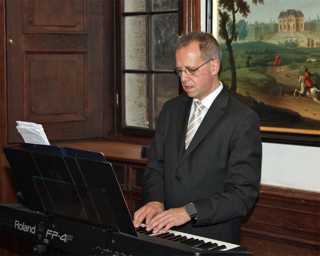 Chorleiter Sergio Ruetsch verlässt den MGV Quartettverein 1930 Königshoven e. V. im neuen Jahr 2016. [Foto: Bastian Schlößer]