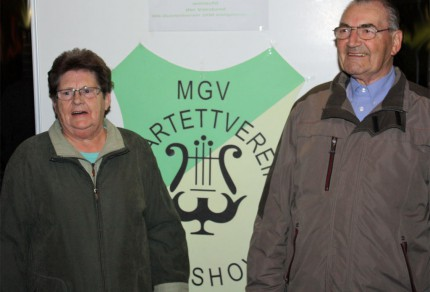 Der MGV Quartettverein 1930 Königshoven e. V. brachte dem Goldhochzeitspaar Peter und Marianne Imbery ein musikalisches Ständchen und gestaltete die Messe. [Foto: Bastian Schlößer]