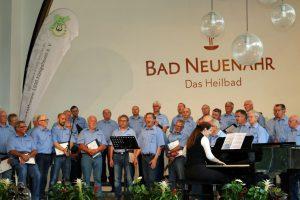 1. Tenor Willi Bremer (Mitte) während seiner Soloparts.