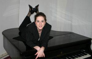 Daniela Bosenius, Chorleiterin des Quartettvereins, wird mit einigen Soloeinlagen während der Herbstkonzerts das Publikum begeistern. [Foto: www.bosenius.info]