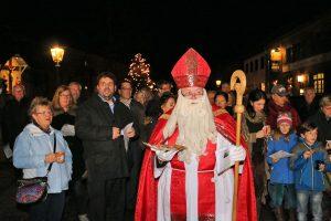 Der Weihnachtszauber war schnell bei den Besuchern angekommen und selbst der Nikolaus war Gast dieses Events.