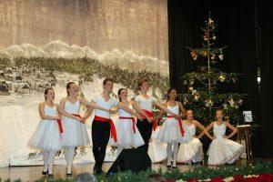 Die jugendlichen Tänzerinnen und Tänzer überzeugten mit perfektem Bühnenoutfit und gekonnter Performance auf der Bühne.