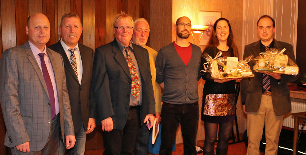 v.l.n.r.: Manfred Speuser (Vorsitzender), Wolfgang Schmitz (Noten-Manager), Hans Erdmann (Kassierer), Willibert Düster (Geschäftsführer), Björn Hackbarth (2. Vorsitzender), Daniela Bosenius (Chorleiterin) und Bastian Schlößer (Webmaster).