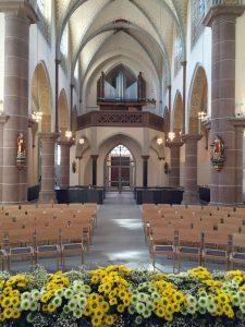 """In Kooperation mit Daniela Bosenius lädt der Königshovener Quartettverein zum Musik-Projekt """"Sehnsucht"""" in die St. Cyriakus Kirche nach Düren-Niederau ein. [Foto: http://www.grabeskirche-dueren.de]"""