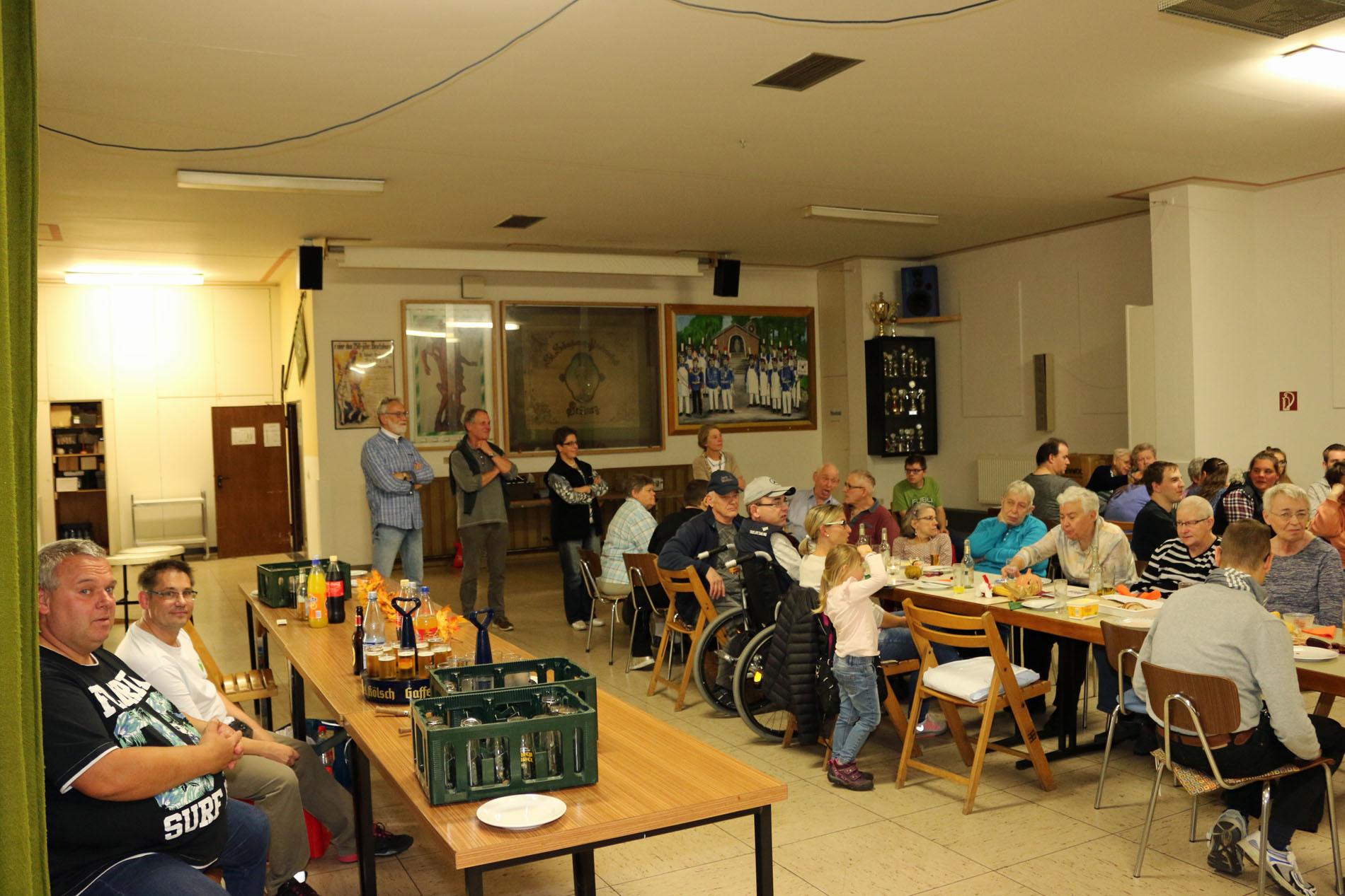 Begeistert waren die Gäste des Erntedankfestes und wollten den MGV an diesem Abend nicht ohne eine Zugabe gehen lassen.