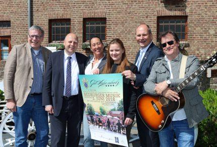 """Das Team freut sich auf viele Besucher beim """"4. Tag der Bedburger Musik"""" auf Gut Hohenholz in Bedburg-Königshoven. (Foto: Bastian Schlößer)"""