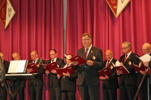Als kommissarischer 1. Vorsitzender des MGV Elsdorf begrüßte Toni Schiffer die Gäste im voll besetzten Bürgerhaus in Neu-Etzweiler.
