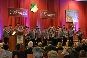 Die Bedburger Shantys waren als Gastchor in diesem Jahr für die maritimen Lieder zuständig.