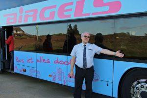 Unser Lieblings-Busfahrer, Stefan Faustmann, schon bekannt von unserer großen Jubiläumskonzertreise nach Berlin, von der Firma BIRGELS Reisen aus Meerbusch.