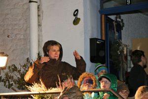 Die Leiterin des Montessori Kindergartens Bedburg-Kirchtroisdorf, Inga Roeßing, freute sich mit ihren Schützlingen, die Besucher willkommen zu heißen.