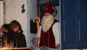 Der wohl prominenteste Besucher, auf den sich die Kinder schon den ganzen Tag gefreut hatten...