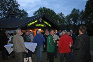 So klang der Abend in und rund um die Schützenhütte im Weiler Hohenholz / Königshoven aus.