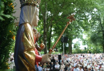 Seit 332 Jahren Anlaufpunkt für katholische Pilger: das Gnadenbild Maria in der Wiese in Germershausen. (Quelle: Tietzek / goettinger-tageblatt.de)