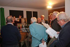 Auch Chorleiterin und Sängern machte dieses sehr exklusive Konzert viel Freude.