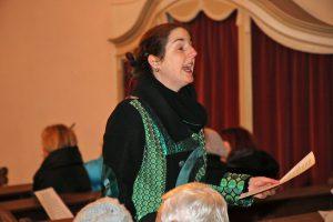Chorleiterin Daniela Bosenius animierte zum Mitsingen.