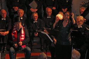 Die beiden Hauptakteure auf der Bühne: Günter Röhrig mit Daniela Bosenius.