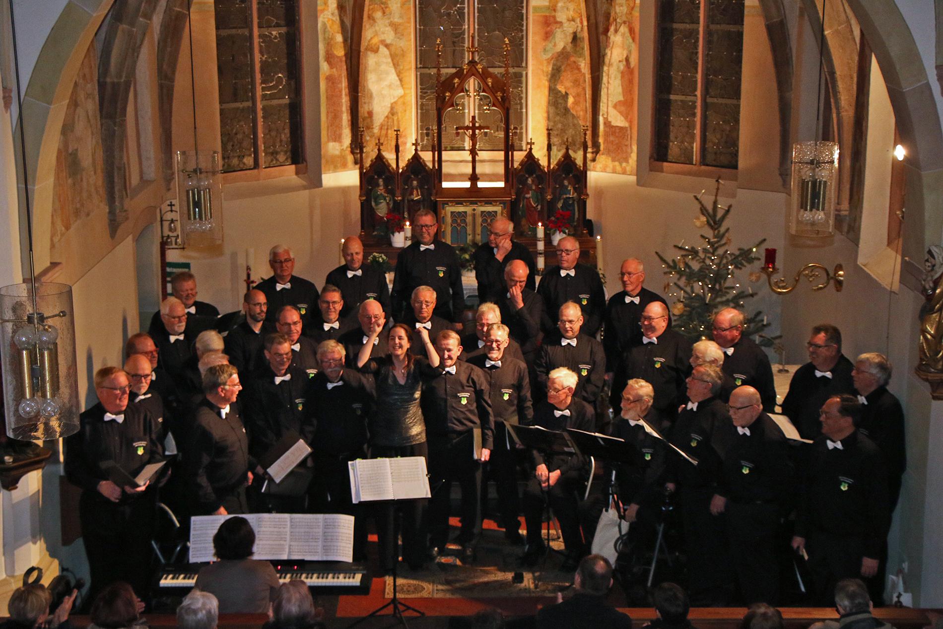 Ein rundum gelungenes Neujahrskonzert als Premiere in Angelsdorf, ein sehr zufriedenes Publikum und ganz viel Spaß auf allen Seiten.