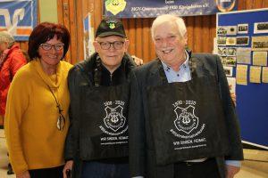 Helene van Peij, Hans-Werner Mülfarth und Willi Demond freuten sich sehr, dass sie ab sofort beim Einkaufen immer automatisch an den MGV Quartettverein denken müssen...